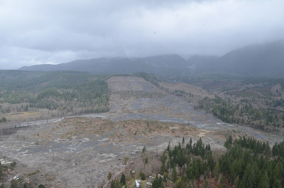 Oso Mudslide 29 March 2014 aerial view 1