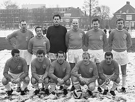 Oud-internationals (1969): Rinus Schaap, staand links