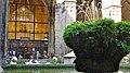 P1100519 Barcelone, Catedral de Santa Eulàlia, quelques-unes des 13 oies du cloître de la cathédrale (6349856659).jpg