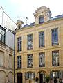 P1250987 Paris IV quai Anjou hotel de Lauzun rwk.jpg
