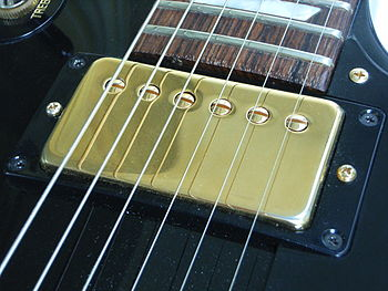 English: PAF Humbucker Pickup on a Gibson Les ...