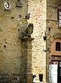 Palazzo dei Priori, particolare del leone su pilastro.jpg