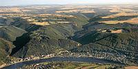 Panorama von Brodenbach und seinen zwei Tälern.jpg