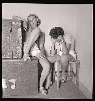 Sadness - Sad girls. Photo by Paolo Monti, 1953