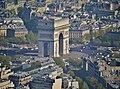 Paris Tour Eiffel Blick von der 3. Ebene auf den Arc de Triomphe de l'Étoile 3.jpg