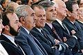Patricio Aylwin Azócar junto a Alejandro Hales y personalidades de Gobierno.JPG