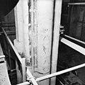 Pijler 17, thomaspijler, westzijde, restauratie tapijtschildering, links beeldnis, rechts sporen waar beeld bevestigd was. - Amsterdam - 20013119 - RCE.jpg