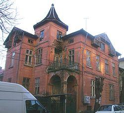 casas embrujadas 250px-Pleven_TodorBozhinov_%2858%29