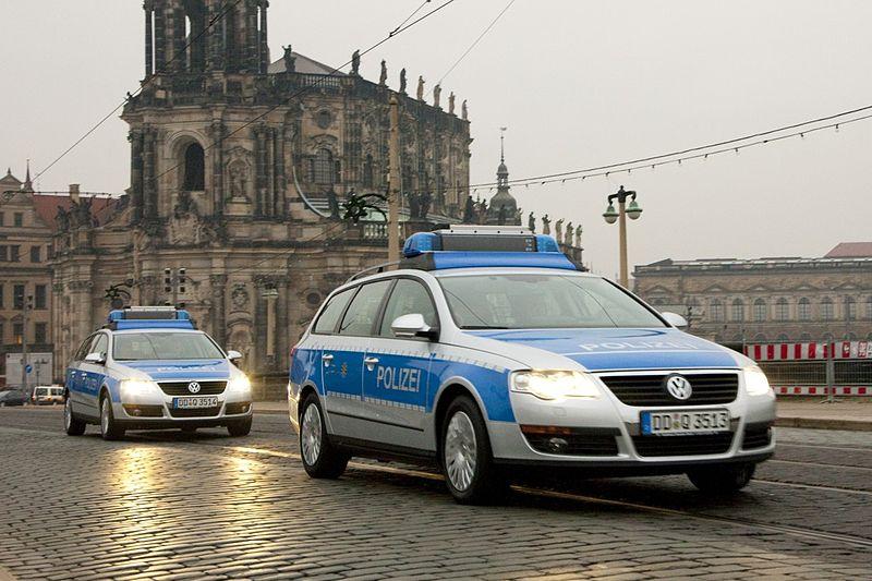 File:Polizei Sachsen VW Passat.JPG