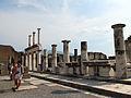 Pompeii Basilica 1 (15919028632).jpg