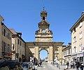 Porte Saint Pierre, vue de l'intérieur de la cité.jpg