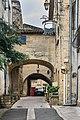 Porte de Remoulins 02.jpg