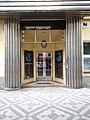 Praha Vinohrady Anglicka 17 portal.jpg