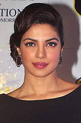Priyanka Chopra Lions Gold Awards 2015.jpg