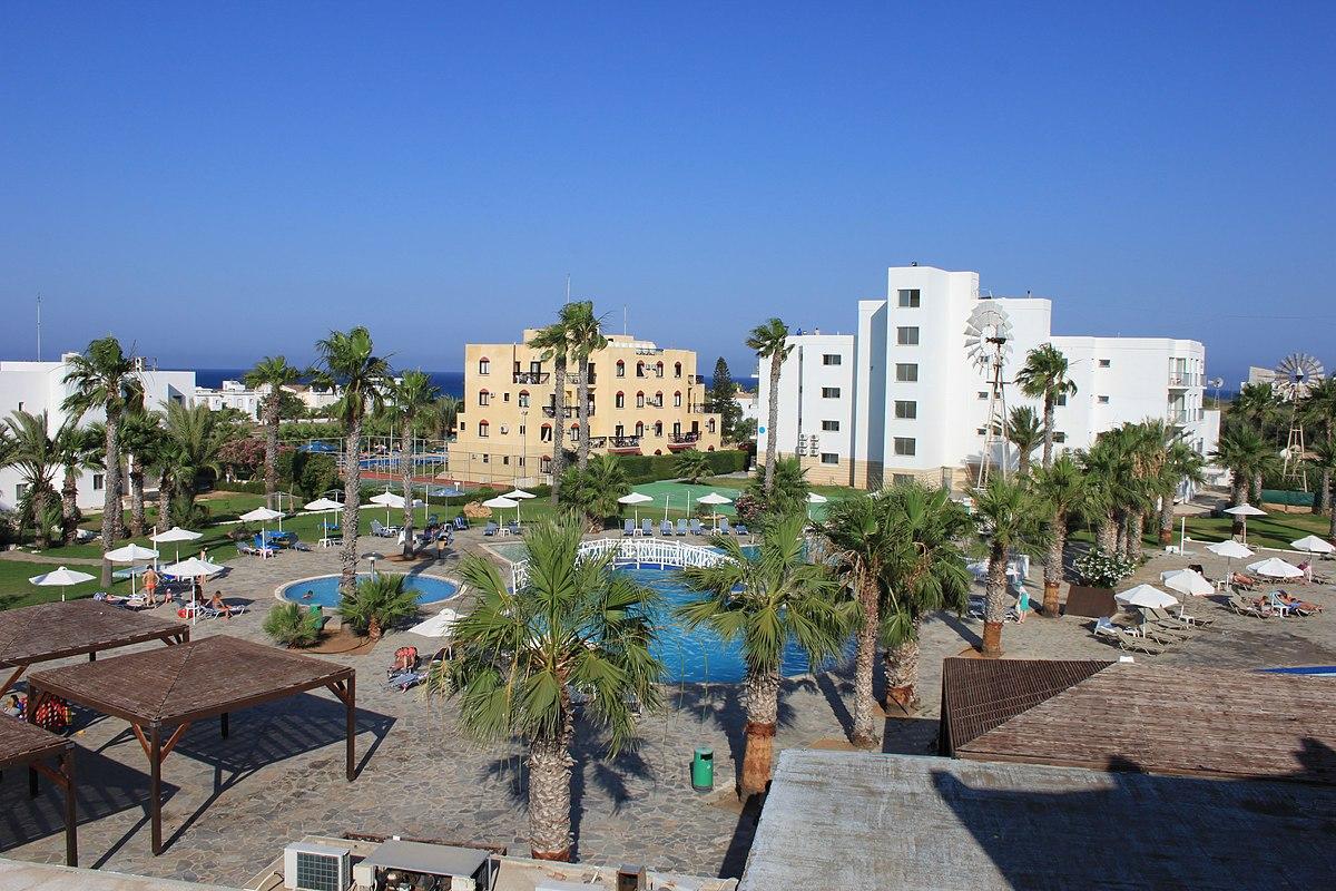 File:Protaras, Papantonia Hotel Apts, 15.06.2015 ...