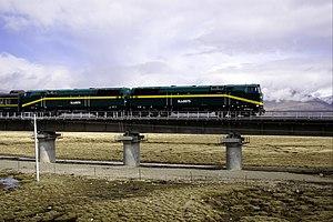 China Railways NJ2 - Image: Qinghai Tibet railway