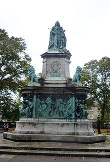Queen Victoria Memorial Lancaster South Face.JPG