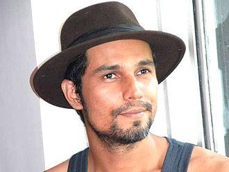 Randeep Hooda - Image: Randeep Hooda At Motley Theatre Group Press Meet