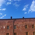 Red brick building in Suomenlinna.jpg