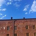 Red brick building in Suomenlinna.jpg