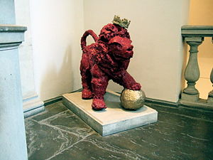 King's College London–UCL rivalry - Reggie the Lion – King's Mascot