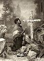 Retrato de mulher diante da cruz, com criança chorando ao lado - Vincenzo Pastore.jpg