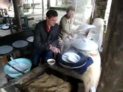 Tập tin:Rice paper making.ogv