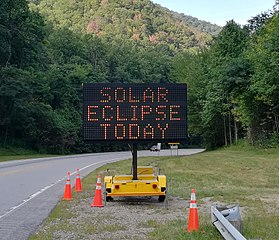 File:Road Sign SOLAR ECLIPSE TODAY - IMG 20170821 172443