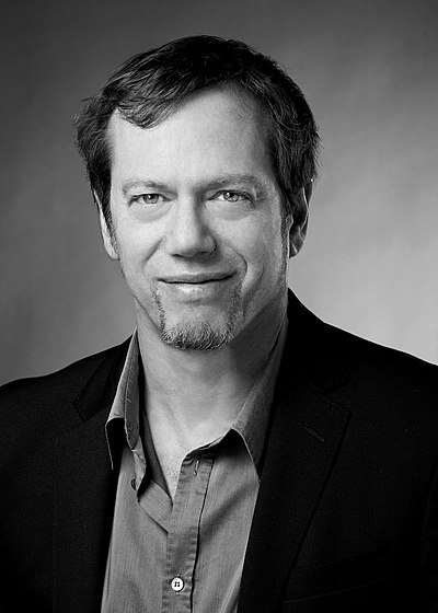 Picture of an author: Robert Greene