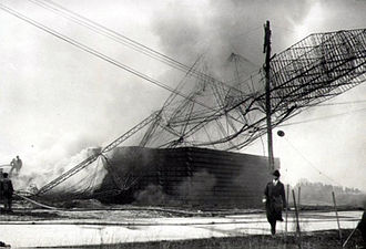 Roma (airship) - The wreckage of the Roma burns after it crashed into power lines