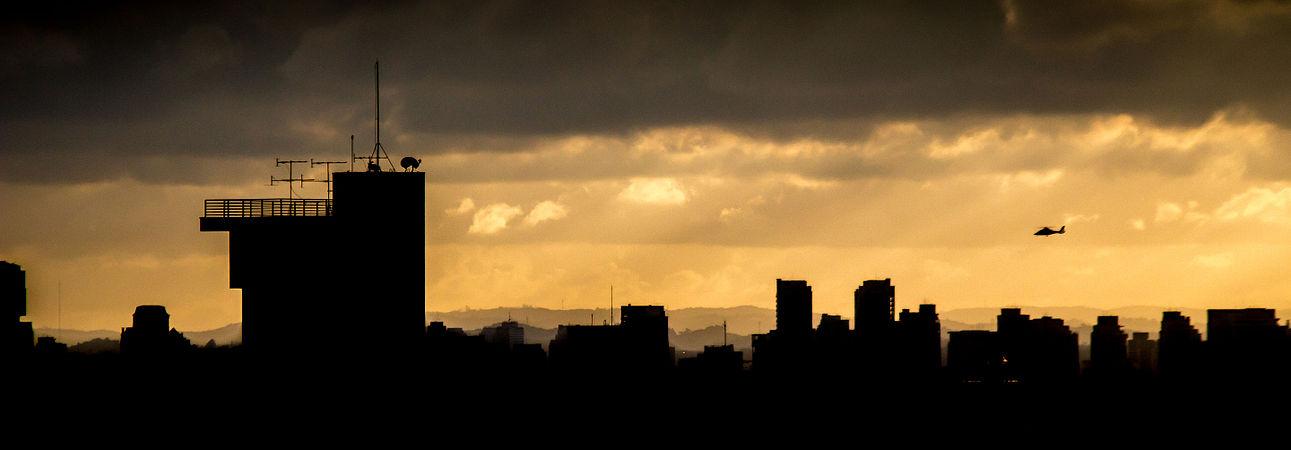 São Paulo skyline at Vila Mariana.jpg