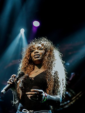 SZA (singer) - SZA performing in August