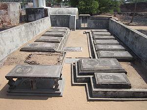 Sadras - Image: Sadras fort cemetery 1