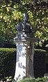 Saint-Martin d'Uriage (38) Statue du Docteur Pierre Doyon - 01.jpg