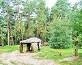 Saint Nectaire.-Le dolmen du Parc.jpg