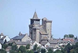 Sainte-Radegonde, Aveyron - The village of Sainte-Radegonde, with the fortified church