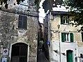 Santo Stefano di Magra (SP) Borgo case.jpg