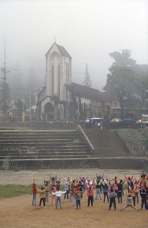 Sapa main square morning 2