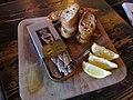 Sardines et pain grillé 01.jpg