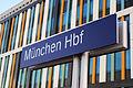 Schild- München Hbf - (DE) München Hbf - 26.04.2014 (14115740966).jpg