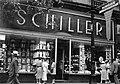 Schiller bolt, Erzsébet körút 42. Fortepan 25560.jpg