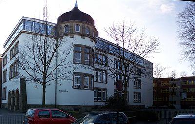 Schillergymnasium Münster Gebäude Münster autostitch.jpg