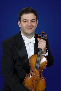 Selim Giray violin 2009.jpg