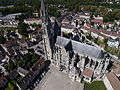 Senlis - Cathédrale Notre-Dame, vue aérienne.JPG
