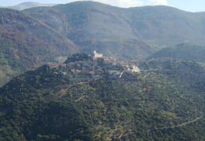 Monti Lepini - Sermoneta, on the foothills of the Monti Lepini, visible in the background. The Agro Pontino is out of sight at the foot of the hill in the foreground.