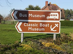 Tourist sign - Image: Sign for the Isle of Wight Bus Museum