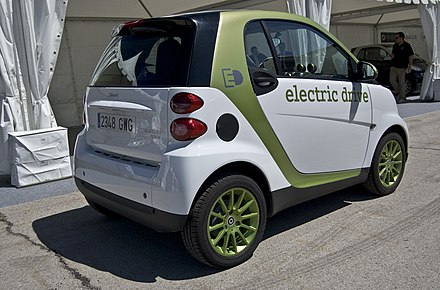 The second generation[citation needed]Smart electric drive uses a battery pack developed by Tesla. - Tesla Motors