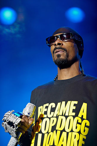 "California Gurls - Perry found Snoop Dogg as a rapper with whom to collaborate on ""California Gurls"" through a search on Wikipedia."
