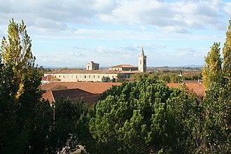 Saint-Thibéry - Image: St Thibery (vue generale 2)