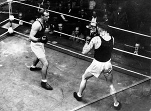 Boxing at the 1948 Summer Olympics - Light heavyweight fight featuring Australian boxer Adrian Holmes.